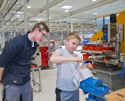 Kinder in die Technik